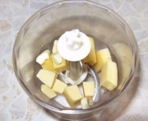 Рулетики из печеного перца с сырным кремом