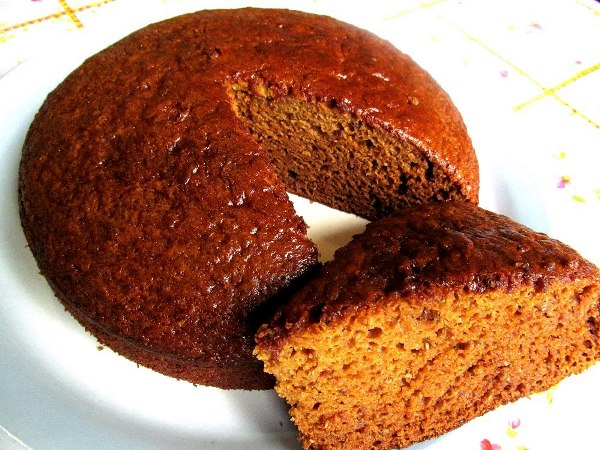 Быстрый пирог на кефире с вареньем