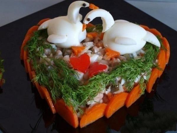 Интересное и необычное оформление салатов