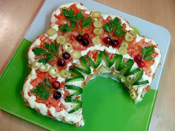 Интересное и необычное оформление салатов 22