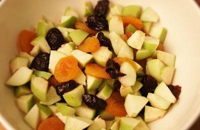 Утка, запеченная с фруктами