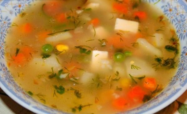 Овощной суп с колбасным сыром