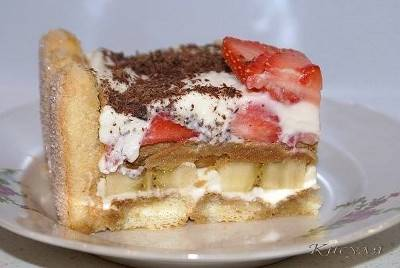 10 рецептов клубничных тортиков и пирогов