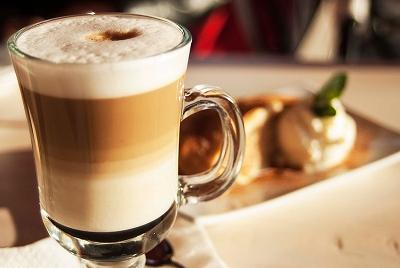kak-prigotovit-latte-v-domashnix-usloviyax-5