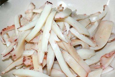 Нежные кальмары в сметанном соусе