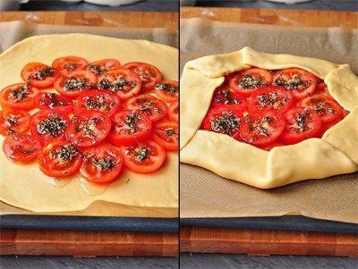 Деревенская галета с помидорами, моцареллой и тимьяном