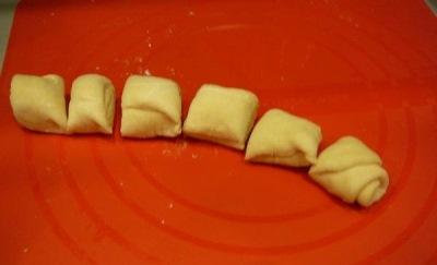 Кефирные конвертики с сыром