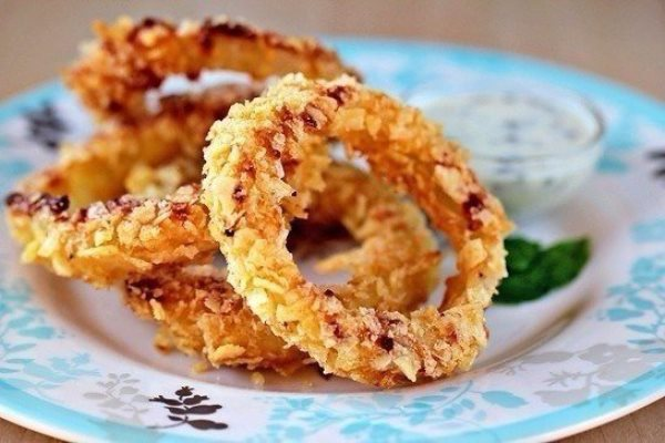 Луковые кольца в духовке