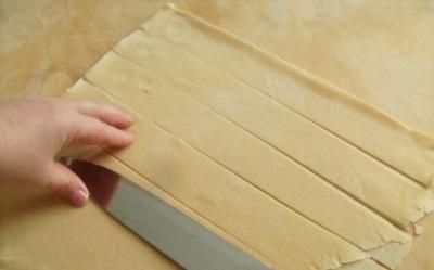 Способы нарезки домашней лапши