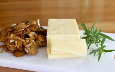 Курица, фаршированная грибами и сыром 2