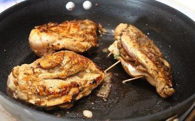 Курица, фаршированная грибами и сыром 5