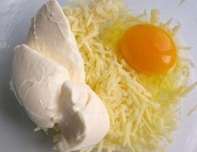 Запеканка из тертого картофеля с сыром и чесноком 4