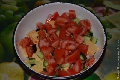 Салат с курицей, овощами и кунжутом 8
