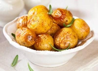 Печеный картофель с испанским соусом 2