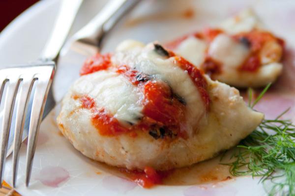 Котлеты в духовке с овощами и сыром 1