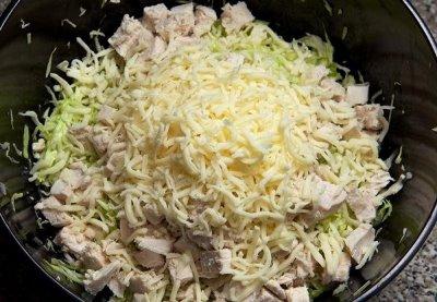 Салат из свежей капусты с курицей 10