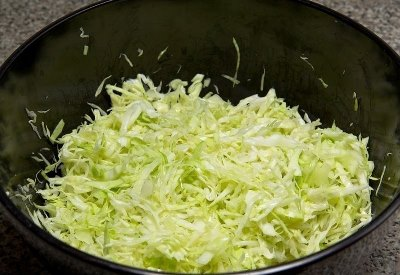 Салат из свежей капусты с курицей 4