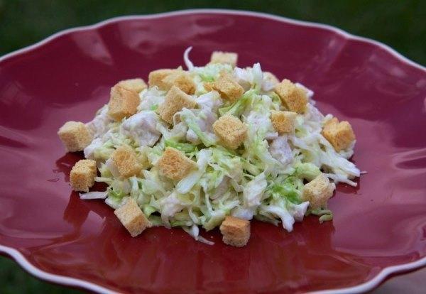 Салат из свежей капусты с курицей 1